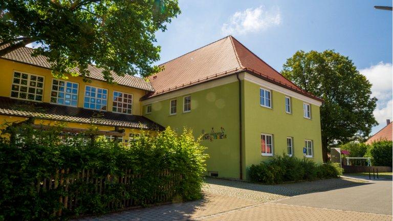 Grossansicht in neuem Fenster: Unser Kinderhaus von außen 2