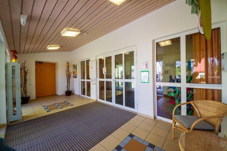Grossansicht in neuem Fenster: Eingangsbereich Krippe