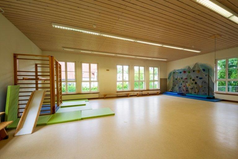 Grossansicht in neuem Fenster: Turnraum Kindergarten Kleine Strolche
